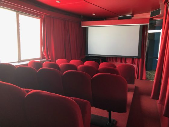Ein Kino als Sitzungszimmer